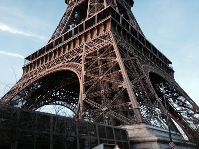 Tour Eiffel Canaricar