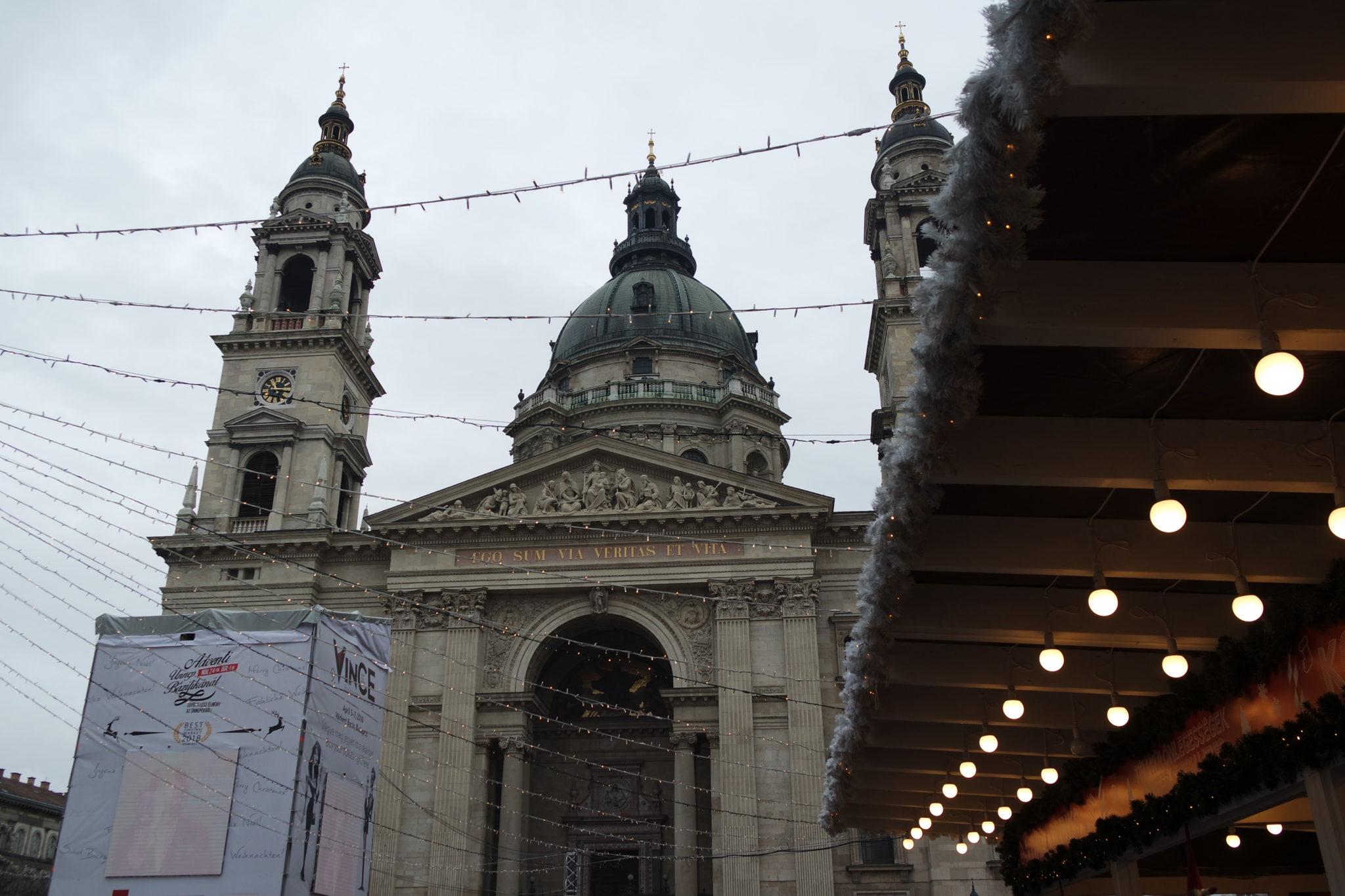 Budapest en hiver maché de noël