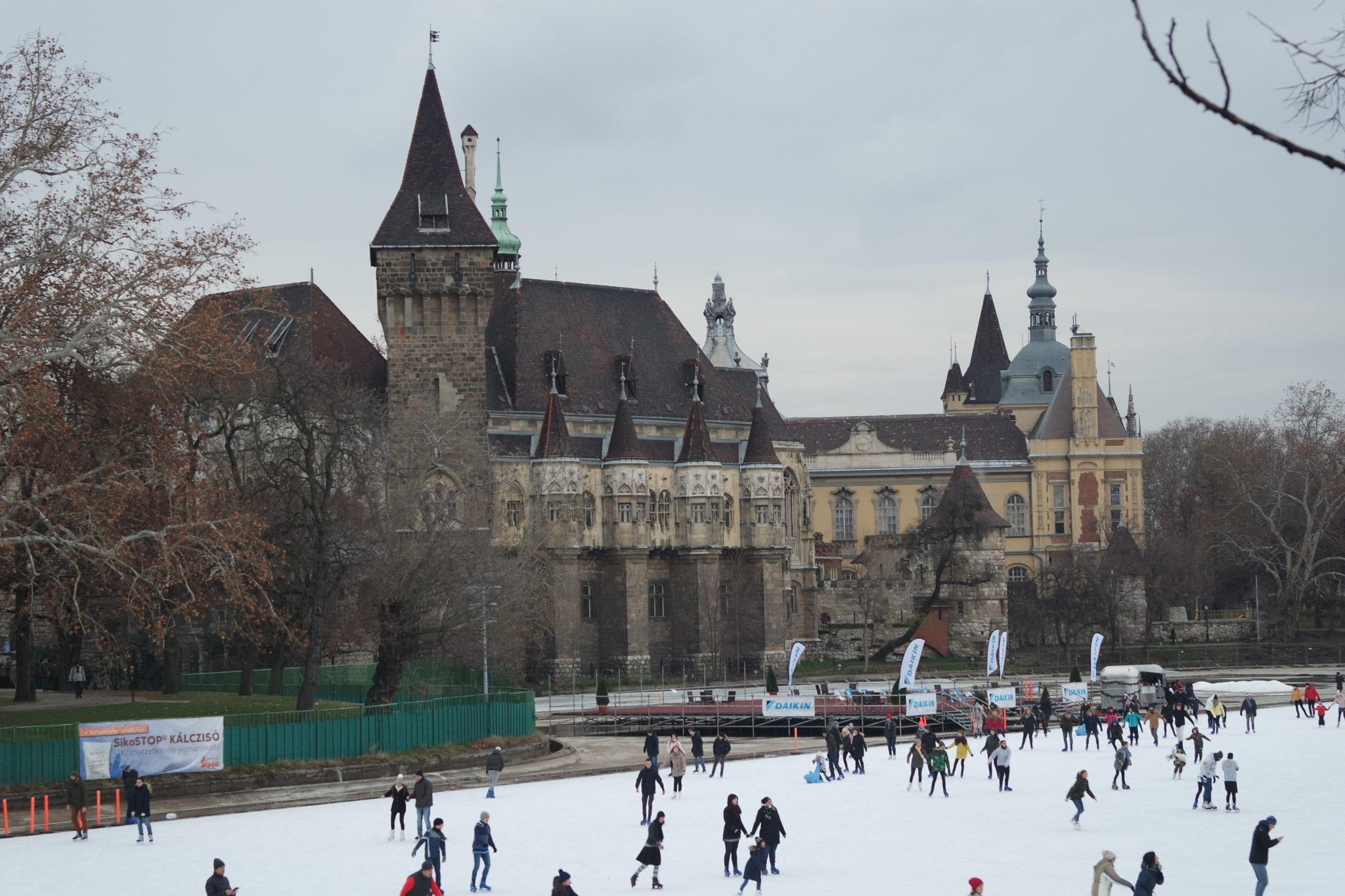 Budapest en hiver patinoire