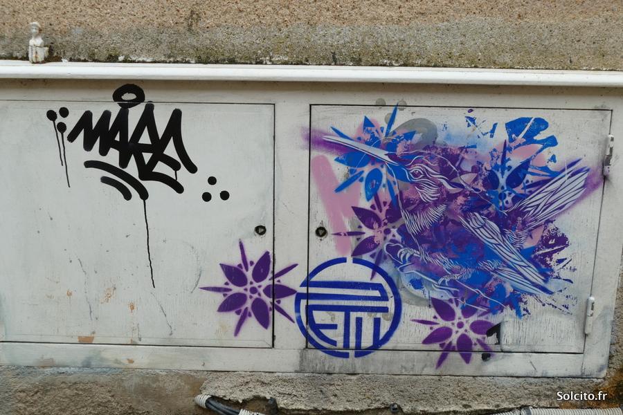 Oiseau street art Chartres
