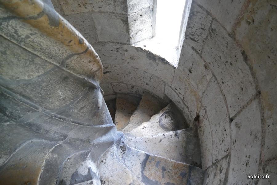 Escalier cathédrale de Chartres