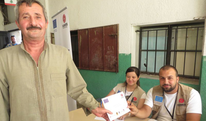 Corps-article-07.2015-Pauline-Gregoire-Minieh-Distribution-cash-3
