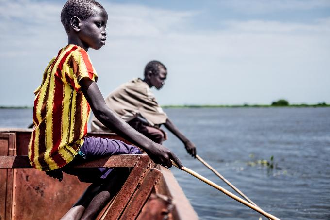 2016 Novembre Sud Soudan Enfants peche eau thomas gruel 680X450