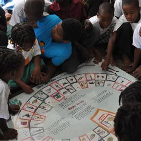 Solidarités International : e sensibilisation à l'hygiène auprès d'enfants haïtiens