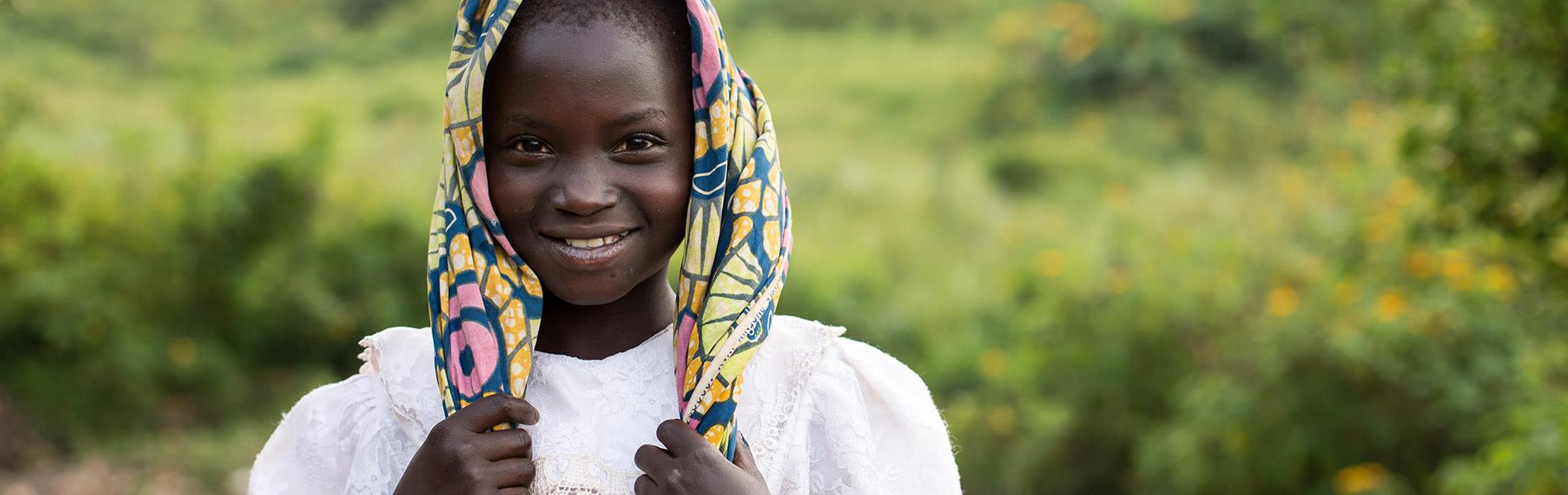 RDC petite fille foulard