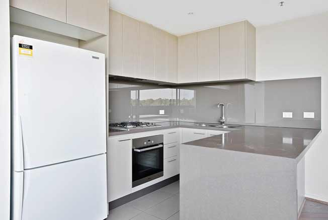 302/1101 Toorak Road Camberwell kitchen