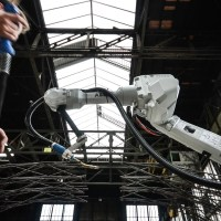 MX3D is 3D Printing the Metal Structures of the Future