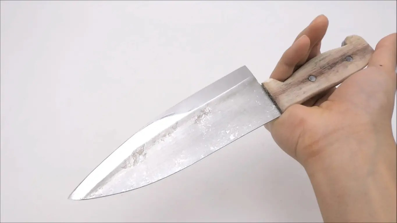 How To Create A Kitchen Knife From Everyday Aluminum Foil