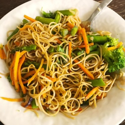 "Grown and Sexy ""Ramen"" Noodles with Veggies"