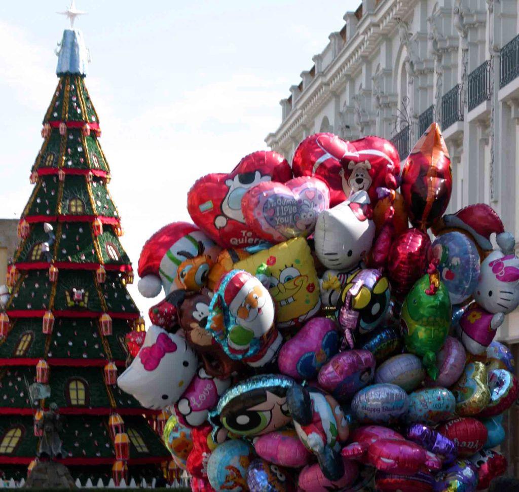 guadalajara christmas balloons