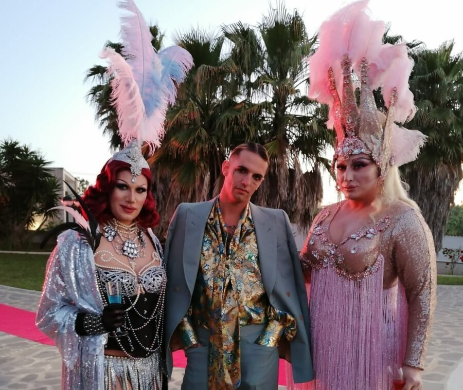 14:00 The drag queens featured in the