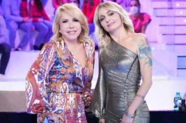 Veronica Peparini, abito monospalla ad Amici: sapete quanto costa?