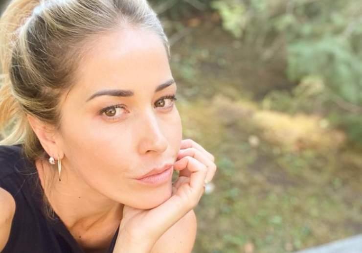 elena santarelli commento social