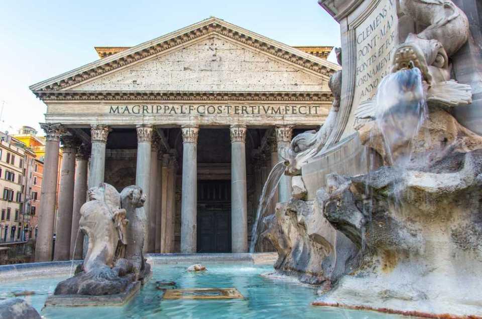 סיור כיכרות ברומא  בעברית
