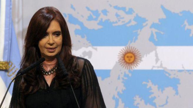 Procesan a la expresidenta de Argentina, Cristina Fernández de Kirchner por asociación ilícita