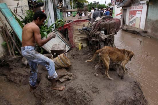 Protección Civil emite advertencia por lluvias en el país
