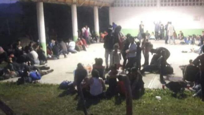 Rescatan a más de 170 inmigrantes centroamericanos dentro de un camión en México