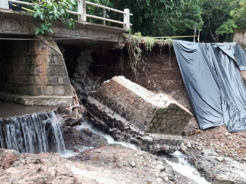 Colapsa otro puente en Chalatenango