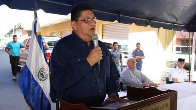 """Gobernador de San Miguel trata de """"Vieja P***"""" a una de sus empleadas"""