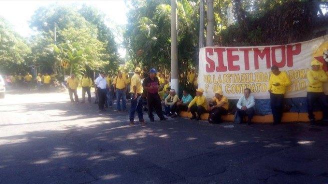 Sindicalistas del MOP realizan paro de labores a nivel nacional