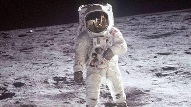 Celebran el 48 aniversario de la llegada del hombre a la luna