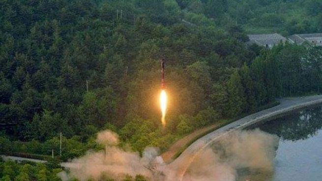 Corea del Norte lanza otro misil balístico intercontinental