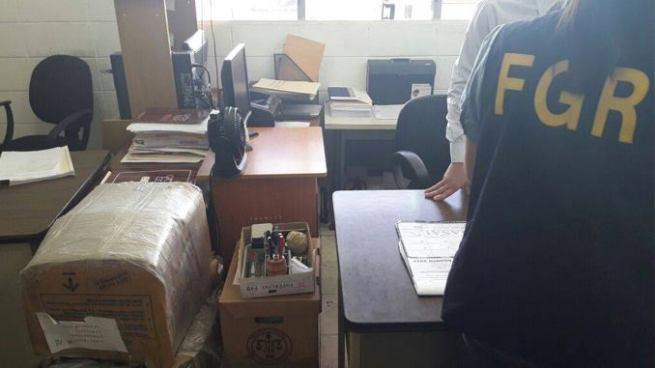 Capturan abogada por filtrar información al expresidente Saca durante su juicio