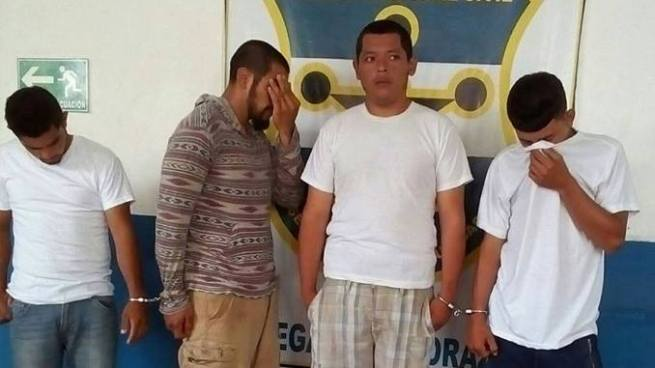Capturan a cuatro sujetos por violar a un menor de edad y otros delitos en Morazán