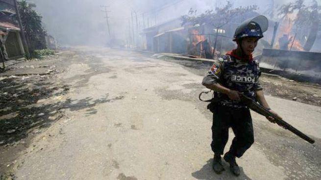 Al menos 72 personas han muerto tras ataques de rebeldes en Birmania
