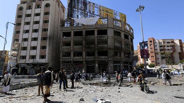 Bombardeo en Yemen deja al menos 20 civiles muertos