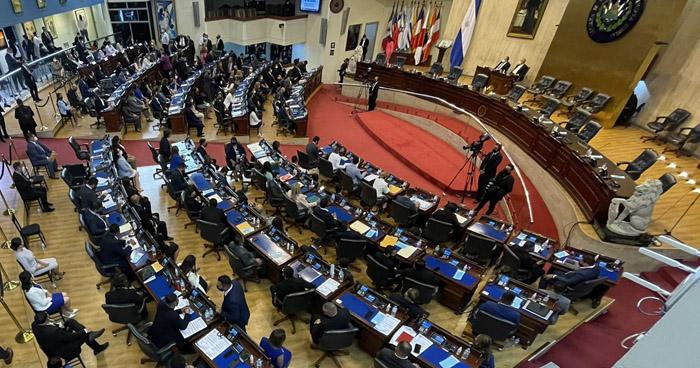 Nuevos diputados se instalan en sus curules de la Asamblea Legislativa