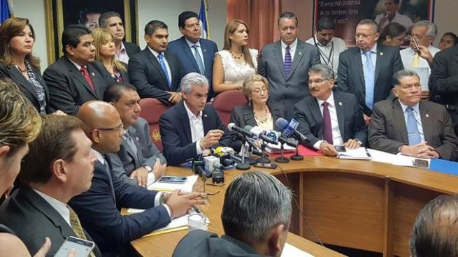 ARENA pide al FMLN una mesa de diálogo para abordar temas de país