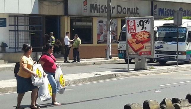 Microbusero ebrio provoca accidente de tránsito tras disputarse la vía con otro microbus