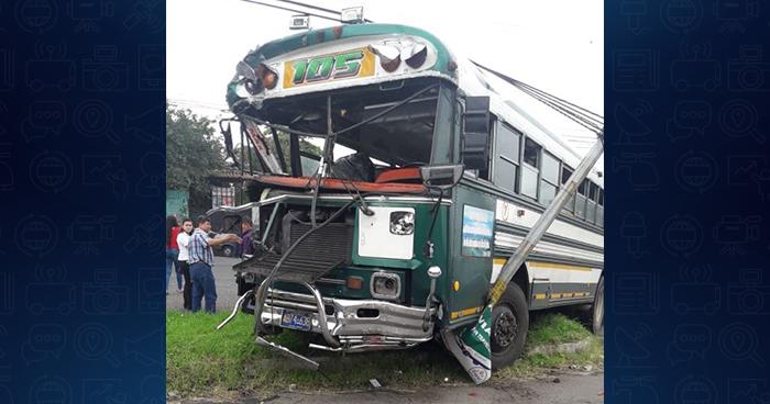 Varios lesionados deja choque entre camión y autobús de la ruta 105 en La Libertad