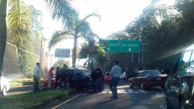 Joven que conducía sin licencia provoca accidente de tránsito en el bulevar Luis Poma