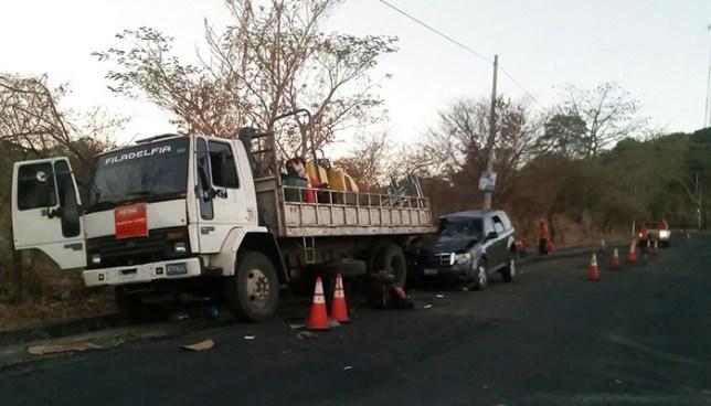 Automovilista mata a una persona tras embestir a empleados del FOVIAL en Morazán