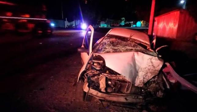 Seis miembros de una familia se salvan de morir tras fuerte accidente de tránsito en La Paz
