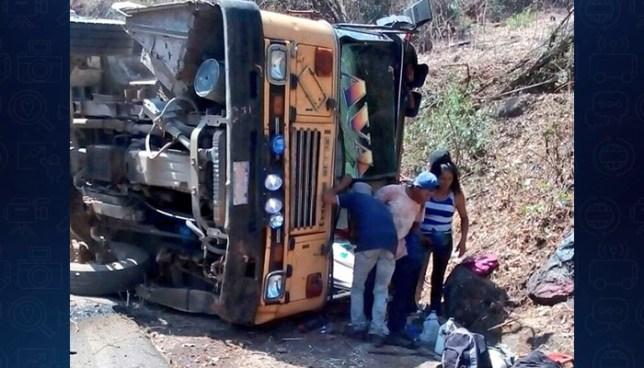 Accidente de autobús en San Vicente deja ocho personas lesionadas