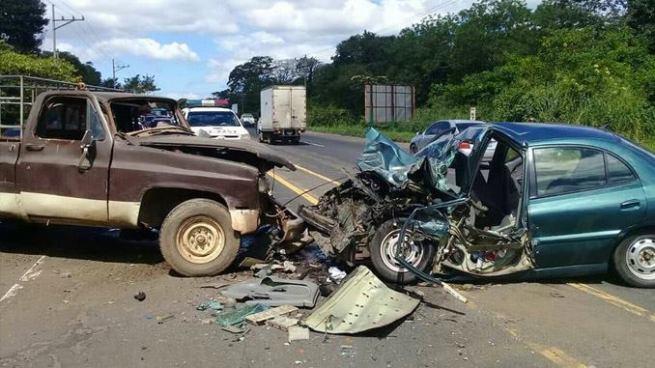 Accidente de tránsito en Santa Ana deja cuatro personas lesionadas