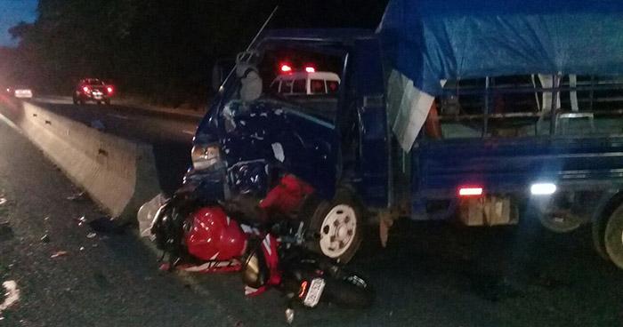 Motociclista resulta gravemente herido tras chocar con un pick up en Santa Ana