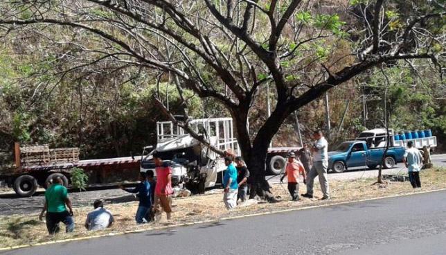 Accidente de tránsito en San Vicente deja tres personas gravemente lesionadas