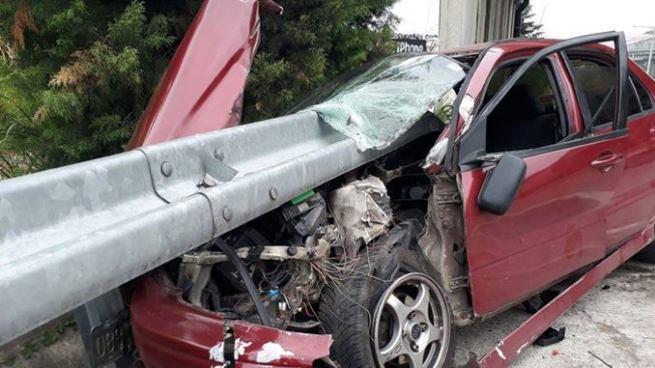 Hombre lesionado tras aparatoso accidente de tránsito en bulevar Monseñor Romero