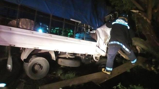 Aparatoso accidente cobra la vida de una mujer embarazada y deja 7 heridos en Sonsonate