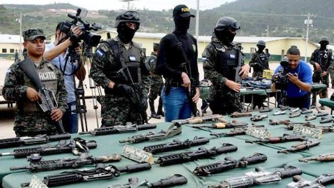 Hallan masivo arsenal en cárcel de pandilleros del Barrio 18 en Honduras