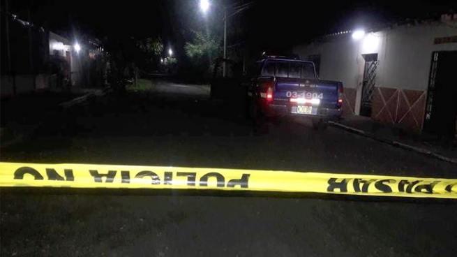 Dos pandilleros capturados tras atacar a balazos a patrulla de la PNC en San Miguel