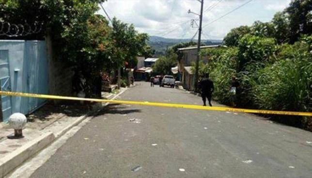 Pandilleros atacan con granada a policías y hieren a dos en Aguilares, San Salvador