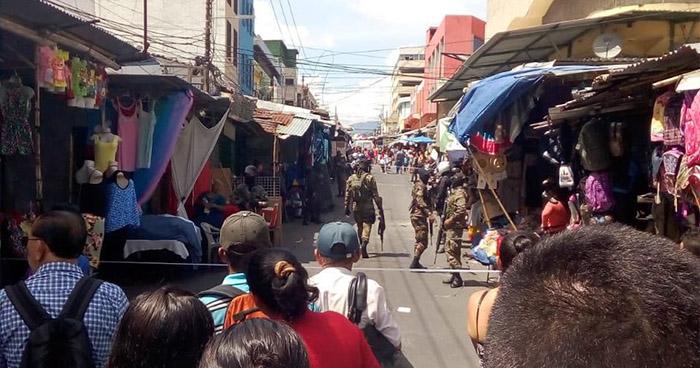Una mujer fallecida y 5 heridos tras tiroteo en pleno centro de San Salvador