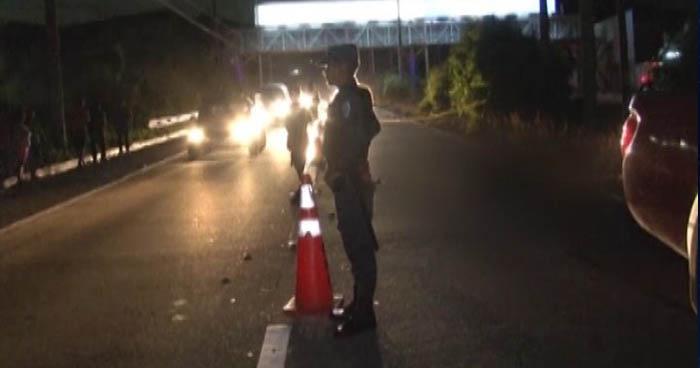 Hombre muere atropellado por un microbús de la ruta A-1 en la autopista a Comalapa
