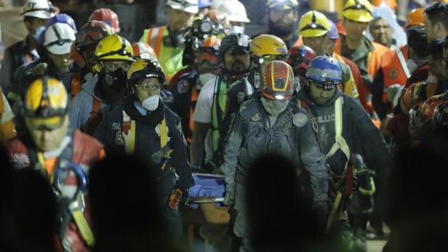 Aumenta a 318 la cifra de muertos por terremoto en México