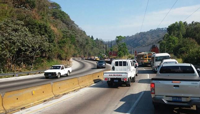Autoridades anuncian la implementación de un nuevo carril en la carretera Los Chorros